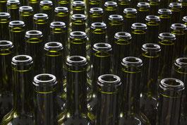Botellas de vino. Listas para llenar